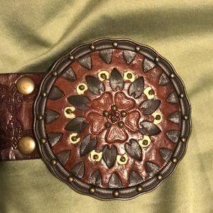 Beautiful Fossil leather tooled belt L